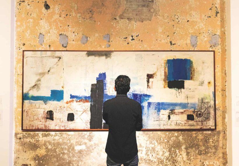 Viewing a painting at the Museo de Arte y Diseño Contemporáneo in San José, Costa Rica