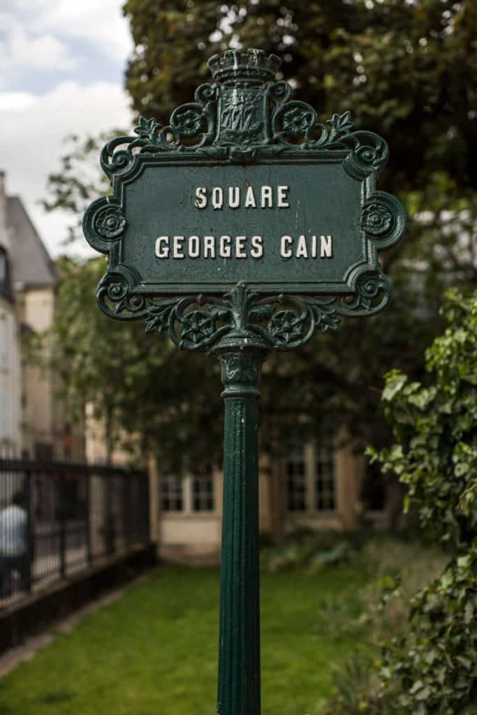 A sign at Square Georges Cain